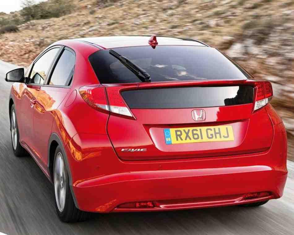 Безупречный новый дизайн нового Honda Civic 5d 2012 не останется незамеченным. Фото: Honda, Autogurnal