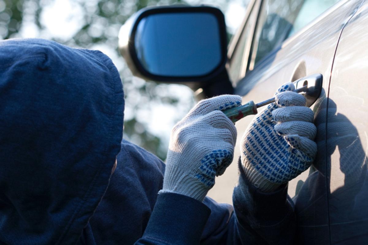 Как защитить свой автомобиль от угона и ограбления