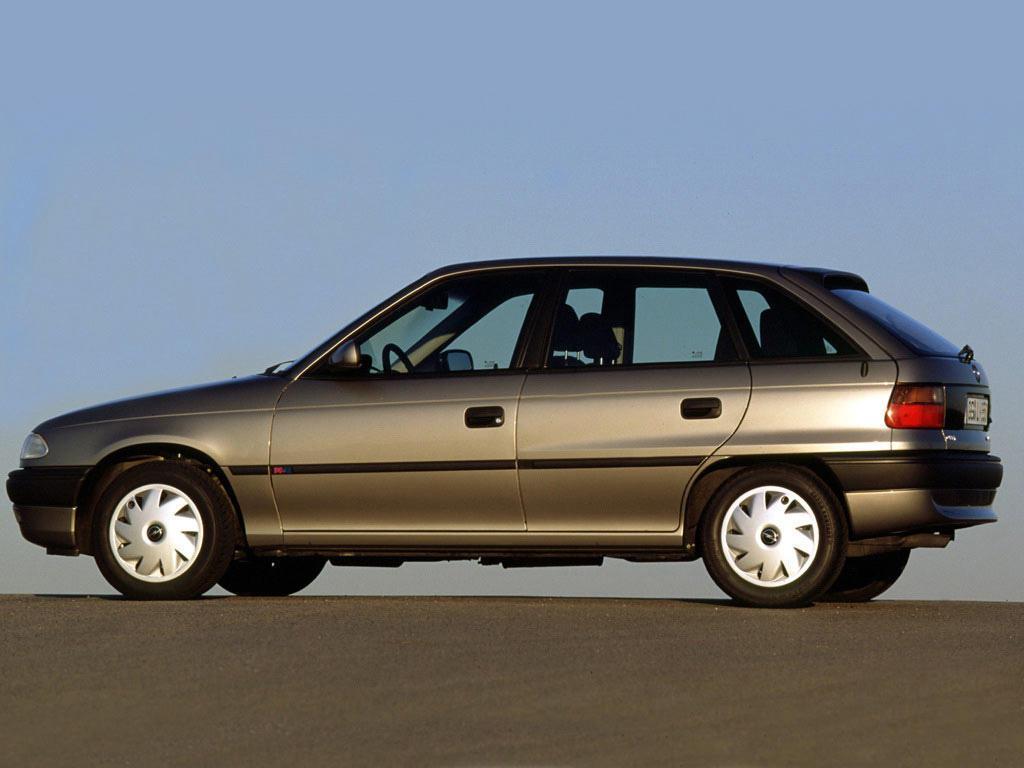 Подержанные автомобили Opel Astra 1992-1998 годов выпуска